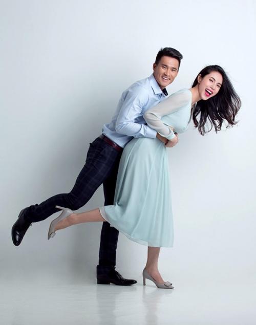 Chỉ thế này thôi, Thủy Tiên - Công Vinh cũng đủ trở thành cặp ngôn tình của showbiz Việt.