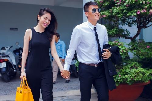 Thủy Tiên khiến nhiều người ghen tỵ khi có chồng là soái ca ngôn tình