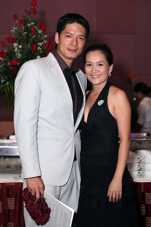 Vợ chồng Bình Minh vẫn bình thường giữa tin đồn ngoại tình của nam diễn viên.