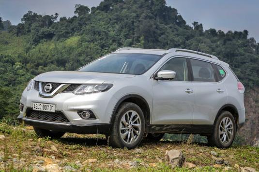 Nissan X-Trail giảm giá khá nhiều trong tháng 3.