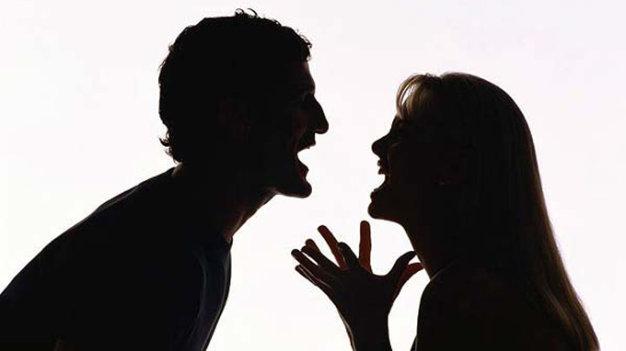 Hai người bất ổn yêu nhau sẽ giống như hai thùng rác kết hợp với nhau. Ảnh minh họa
