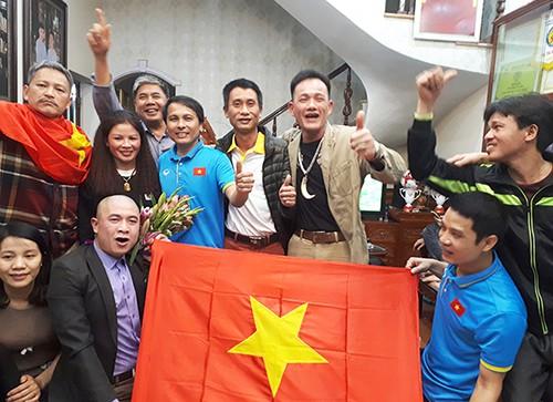 Màn ăn mừng chiến thắng của đội tuyển U23 Việt Nam tại gia đình cầu thủ Quang Hải