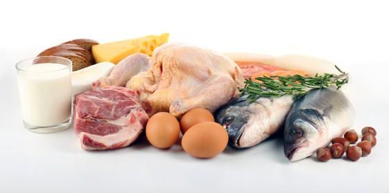 Thịt cần phải có màu sắc tự nhiên, đúng với chủng loại, có độ đàn hồi cao, dẻo mềm và mùi đặc trưng. Cá nên chọn loại còn bơi hoặc được bảo quản đúng cách, mắt trong, mang đỏ, vảy dính chắc.