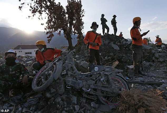 Hiện trường vụ thảm họa kép tại Indonesia sau gần 2 tuần.