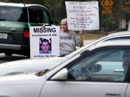 Bà mẹ già vẫn mòn mỏi đấu tranh tìm sự thật về vụ mất tích của con trai mình.