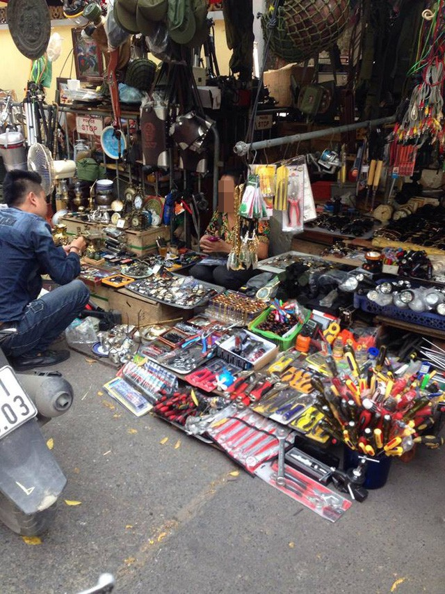 Hoạt động kinh doanh tại chợ Giời có những quy tắc ngầm mà ai làm ăn ở đây cũng phải biết.