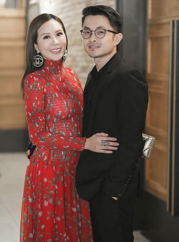 Hoa hậu Thu Hoài bên bạn trai kém 10 tuổi.