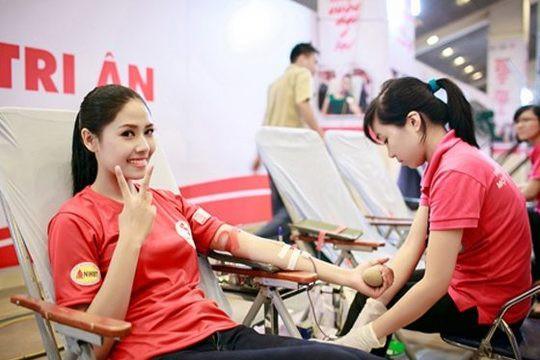"""Dự án """"Hành Trình Đỏ"""" của Nguyễn Thị Loan lọt Top """"Hoa hậu Nhân ái""""."""