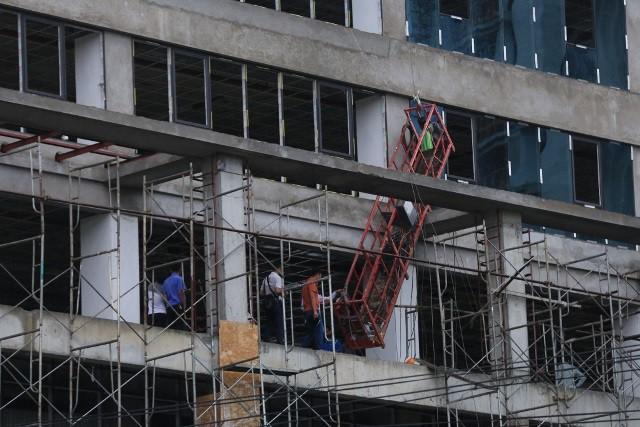 Khu vực hiện trường tòa nhà nơi để xảy ra vụ tai nạn nghiêm trọng.