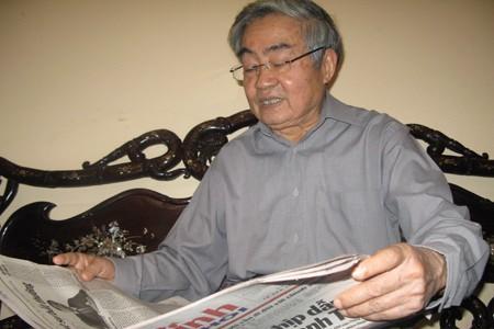 GS.VS Phạm Minh Hạc cho rằng độc quyền in, phát hành SGK hiện nay là không phù hợp.