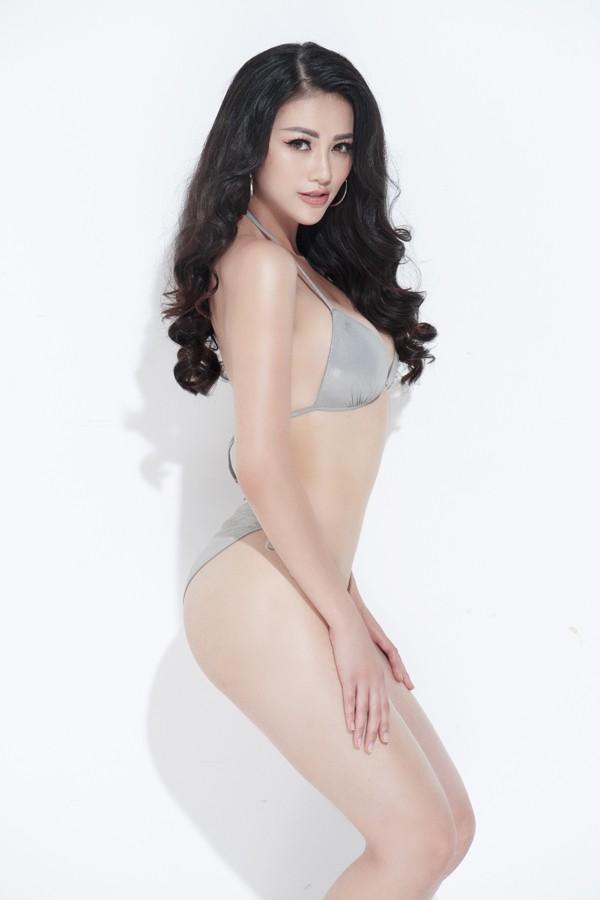 Nguyễn Phương Khánh có vòng eo 56 nhưng cô phải tăng size để phù hợp với cuộc thi.
