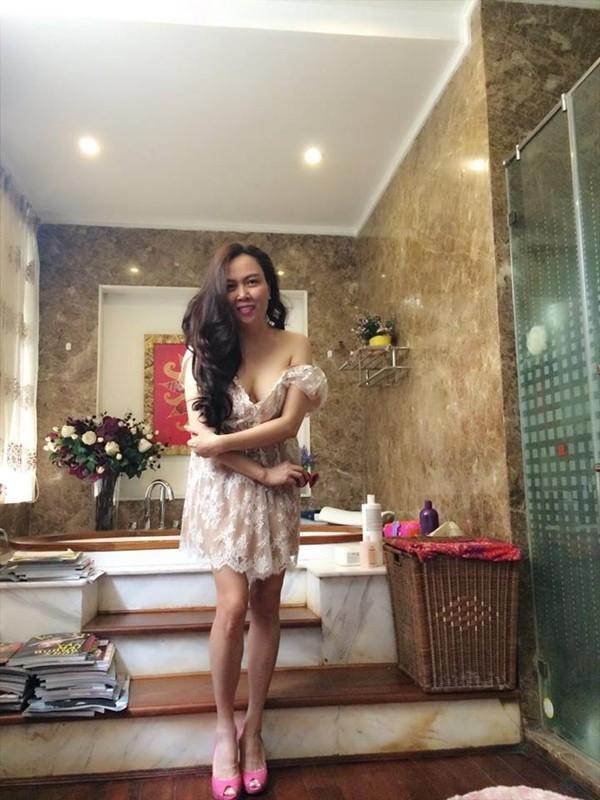 Phượng Chanel sống trong căn nhà sang trọng với nội thất cao cấp.