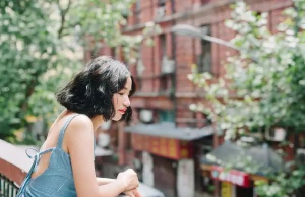 Lý Tiểu Miêu hiện sống tại Giang Tô, cô nàng đã 30 tuổi và không có ý định lấy chồng.