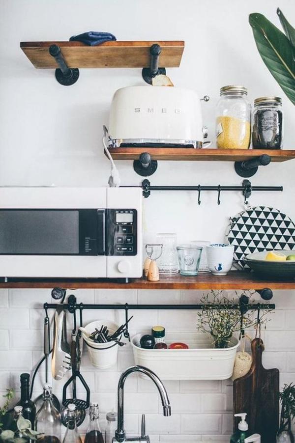 Căn bếp với đầy đủ tiện nghi dù cô chỉ ở 1 mình.