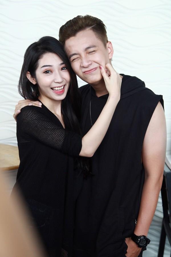 Cùng với Đông Nhi và Ông Cao Thắng, Khổng Tú Quỳnh - Ngô Kiến Huy cũng là cặp đôi nhận được rất nhiều tình cảm của công chúng.