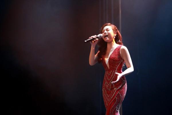 Mai Diêu Ly da diết với Mơ về nơi xa lắm của nhạc sĩ Phú Quang.