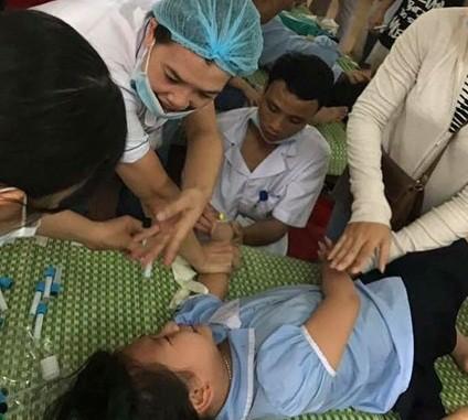 326 học sinh đã xuất viện sau sự cố nghi ngộ độc thực phẩm. Ảnh: NH