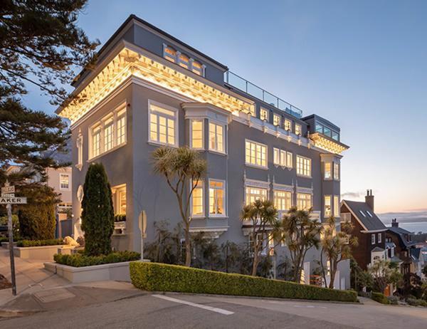 Căn biệt thự nằm tại số 2900 Vallejo, trong khu phố Pacific Heights, San Francisco (Mỹ) và rộng khoảng 900 mét vuông