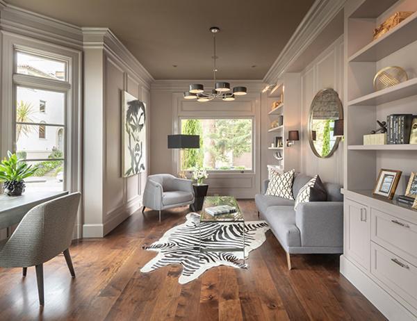 Khu vực tiếp khách được trang trí đồ nội thất hiện đại