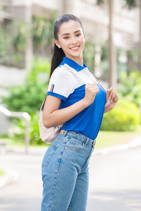 Nhan sắc của cô sinh viên 18 tuổi vừa giành vương miện Hoa hậu Việt Nam 2018.