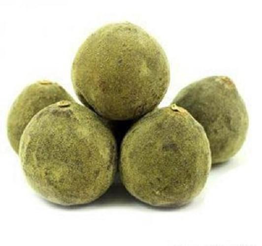 Bưởi Hóa Châu chưa từng được cải tiến về giống nên luôn giữ được hương vị nguyên thủy. Khi chín, quả có vị rất đắng nên không thể ăn được, nhưng điều này ko hề ảnh hưởng tới mức giá.