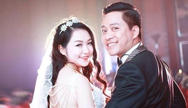 Được biết, trải qua nhiều mối tình đầy sóng gió cuối cùng tháng 4/2014, Tuấn Hưng đã cập bến hạnh phúc bên hotgirl Thu Hương.