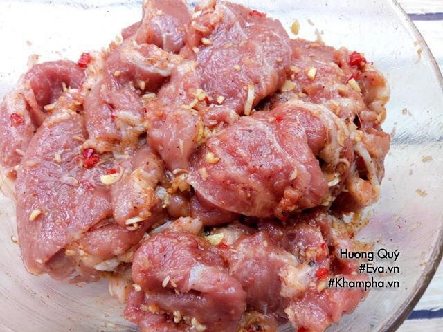 Bước 3: Nướng thịt