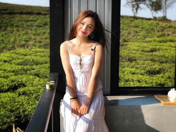 Quỳnh Kool nổi tiếng trên mạng xã hội với danh xưng hotgirl.