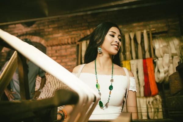 Nhan sắc căng tràn nhựa sống của Hoa hậu Tiểu Vy.