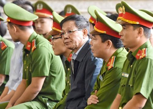 Bị cáo Phan Văn Vĩnh tại tòa. Ảnh: HC