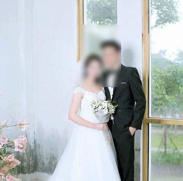 Đám cưới được hai bên thống nhất tổ chức khi cô dâu chưa đủ tuổi nên không có đăng ký