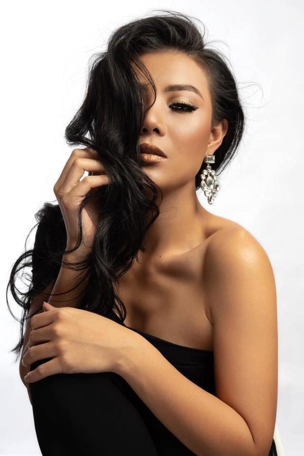 Mới đây, Thanh Hương gây sốt với vai Lan cave với nhiều phân đoạn khó và đòi hỏi diễn viên phải hi sinh rất nhiều.