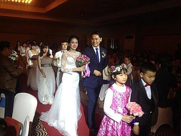 Đồng Thanh Bình và vợ tổ chức đám cưới vào năm 2014.
