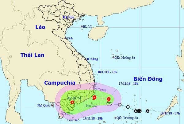 Áp thấp nhiệt đới thành bão số 8 dự kiến tối ngày 18/11 vào đất liền Việt Nam.