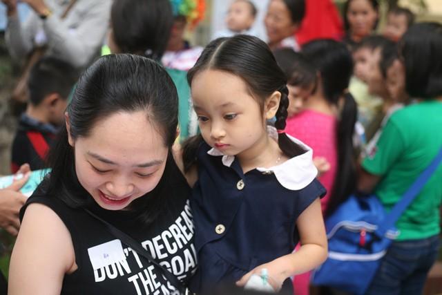 Bé Tuyết Phương (5 tuổi) đã phẫu thuật teo mật và tới đây sẽ được ghép gan.