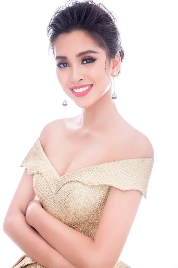 Hình ảnh ngọt ngào không thể rời mắt của Hoa hậu Tiểu Vy.