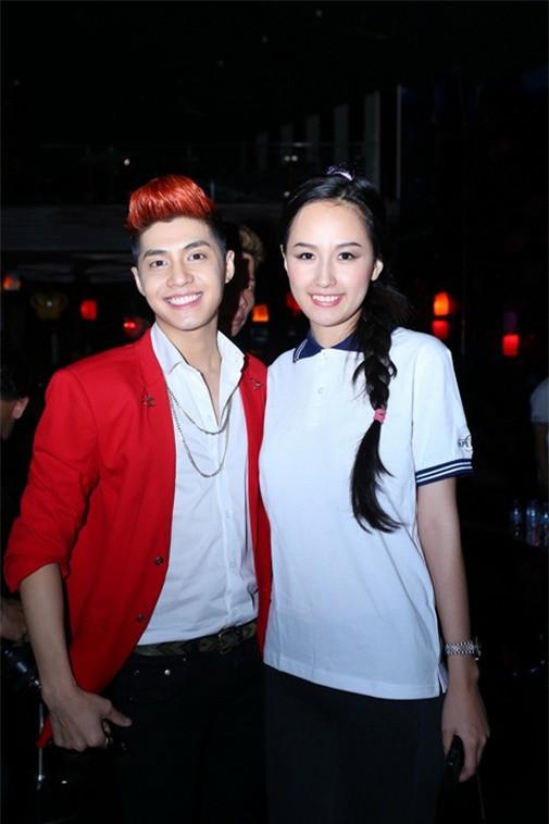 Mai Phương Thúy và Noo Phước Thịnh xuất hiện trong trang phục đơn giản nhẹ nhàng sóng đôi cùng nhau.