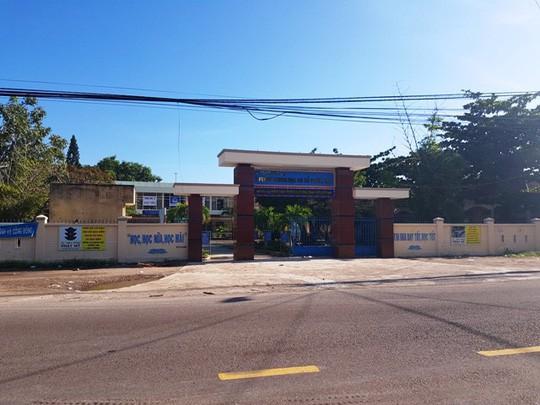 Trường THCS Phước Lộc nơi em Tuân đang học
