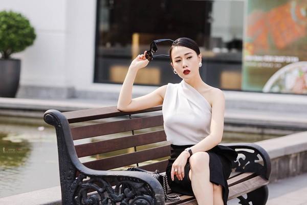 Nhan sắc ngày càng hoàn hảo của người đẹp Phương Oanh.