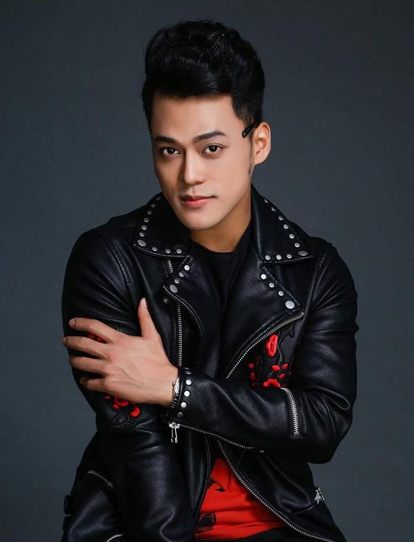 Phan Ngọc Luân được biết đến khi tham gia Giọng hát Việt mùa đầu.