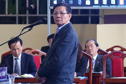 Bị cáo Phan Văn Vĩnh trước tòa khi nói lời sau cùng. (ảnh: TG)