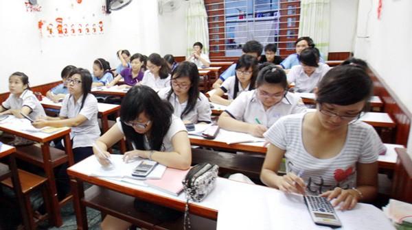 Học sinh dễ căng thẳng, stress với lịch học thêm kín mít.