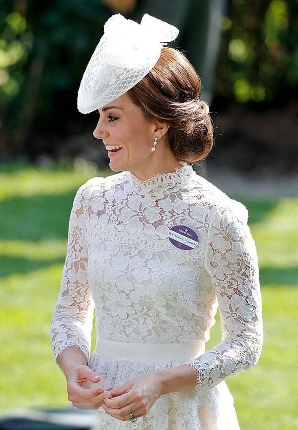Hơn 7 năm sau ngày cưới, Kate vẫn giữ được hình ảnh đẹp trong mắt công chúng bởi cuộc sống hạnh phúc viên mãn.