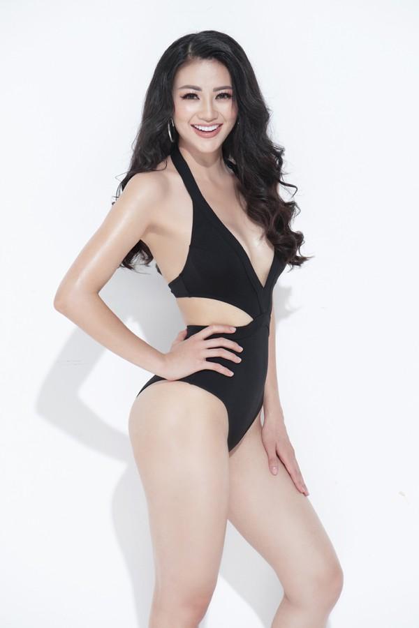 Phương Khánh buộc phải nới eo lên 2cm cho phù hợp với Hoa hậu Trái đất 2018.