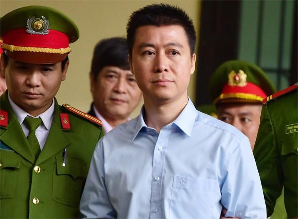 HĐXX đánh giá Phan Sào Nam đã ăn năn hối cải, nghiêm túc kiểm điểm. Ảnh VnExpress