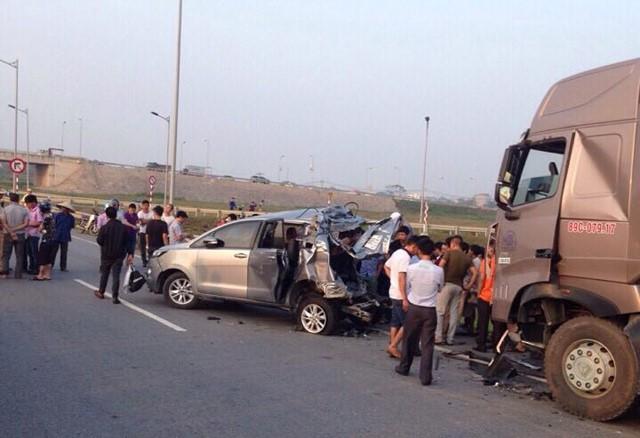 Ủy ban Thẩm phán của TAND cấp cao đã chấp nhận kháng nghị hủy hai bản án sơ thẩm và phúc thẩm vụ án xe đầu kéo container đâm Innova lùi trên cao tốc Hà Nội - Thái Nguyên.