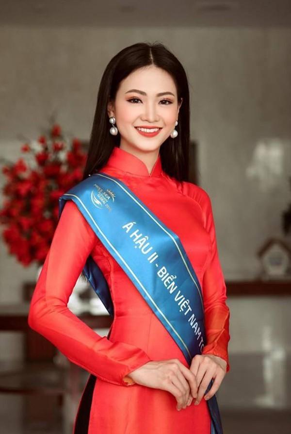 Nhưng so với mặt bằng chung của dàn thí sinh cuộc thi này, nhan sắc Phương Khánh được đánh giá nổi trội.