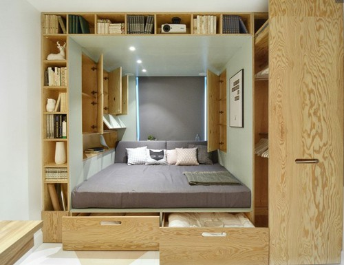 Các ngăn kéo, tủ, kệ được thiết kế có bánh trượt vừa tiết kiệm diện tích, vừa tiện dụng cho chủ nhân.