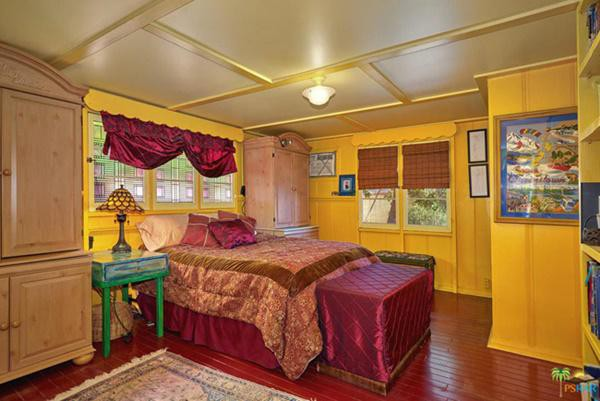 Một phòng ngủ khác
