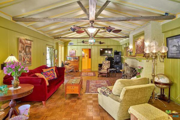 Nhà có 3 phòng ngủ, 2 phòng tắm, diện tích sử dụng khoảng 154 m2, rất phù hợp với một gia đình nhỏ.